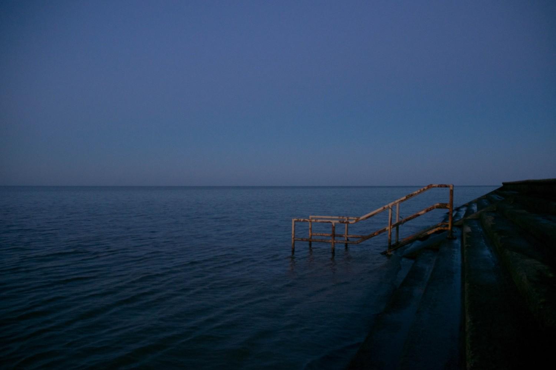 Lakeshore minimalism